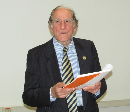 Il prof. Orlando Formica