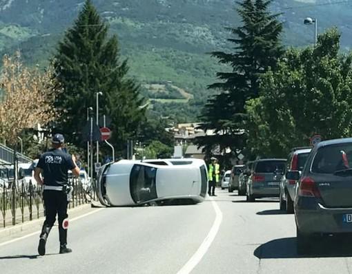 Aosta: Giovane carambola con l'auto in via Parigi