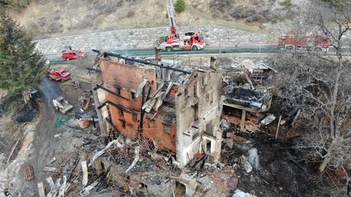 A fuoco a Nus la casa 'simbolo' dell'alluvione del 2000