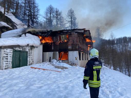 Pista dolosa per l'incendio alla 'casa del bob' a Cervinia