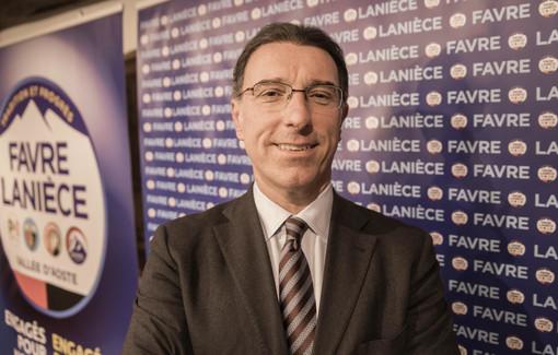 Il senatore della Valle d'Aosta annuncia voto di sfiducia a Conte