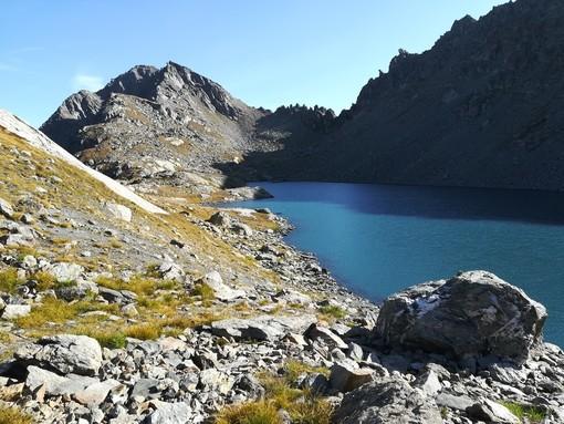 La Becca Pouegnenta dal lago di Pietra Rossa