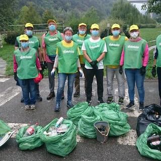 I volontari di Legambiente hanno riempito i sacchi a Saumont