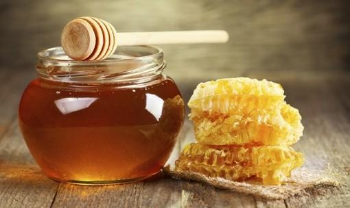 Il miele valdostano: equilibrio naturale di sapori e virtù