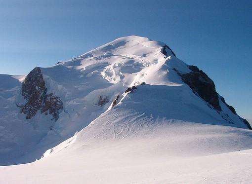 La vetta del Monte Bianco sul versante francese