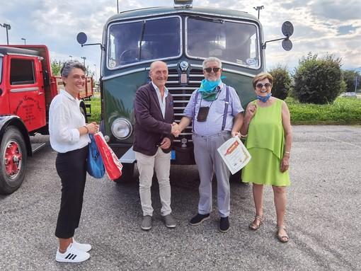 Carlo Marazzato ha ricevuto riconoscimenti e apprezzamento per la sua esposizione di camion d'epoca