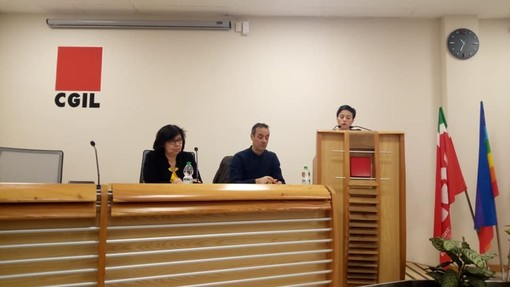 Cristina Marchiari interviene in un'assemblea Filt
