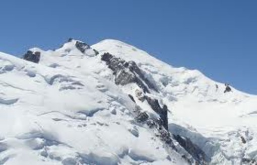 Vogatore abbandonato sul Monte Bianco, sindaco St-Gervais 'basta stravaganze, ci vuole legge'