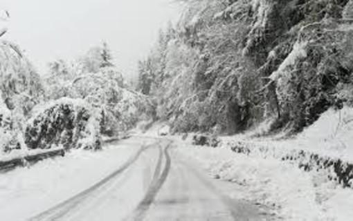 Trop de neige en Savoie, Chamonix lance alerte avalanche