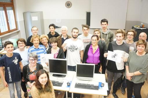 Al Manzetti di Aosta i Nonni diventano internauti e gli studenti Navigator