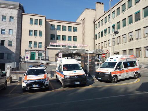 Giovane ricoverato con sospetta embolia polmonare dopo vaccinazione AstraZeneca