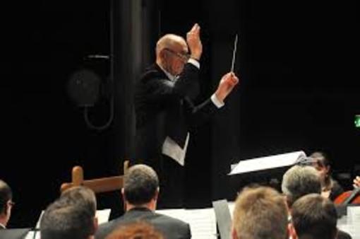 Lino Blanchod dirige l'Horchestre d'Harmonie du Val d'Aoste