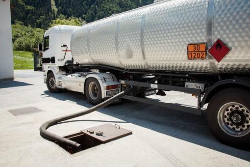 Dopo energia elettrica, gas, benzina e gasolio, volano anche metano e GPL.