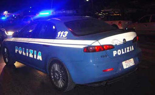 Rifiuta mascherina e sputa in faccia all'autista del pullman, 25enne arrestata dalla polizia