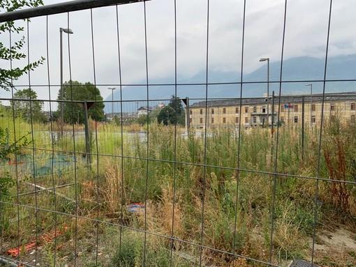 Aosta: Sempre più degrado nel parcheggio mai aperto dell'UniVdA