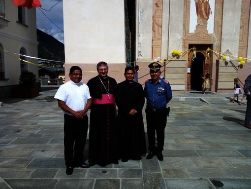 Il Comandante Cavaliere della Repubblica Paolo Morale in occasione dell'ingresso nella Parrocchia dei Padri Onildo e Manuel