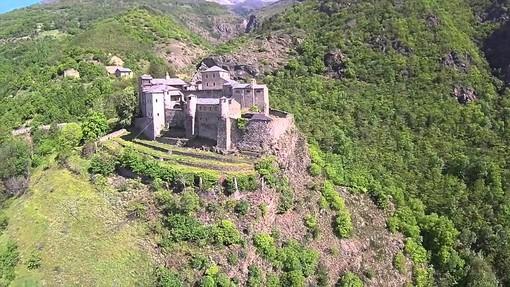 Con le Giornate Fai si apre il portone del Castello di Quart