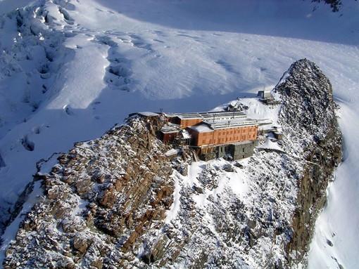Il 12enne caduto nel crepaccio sul Monte Rosa era con amici di famiglia
