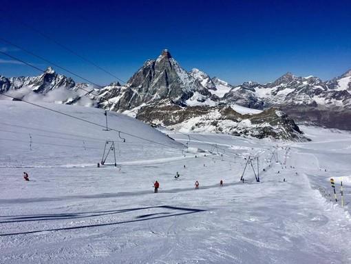 Cervinia 'sfida' il coronavirus e sabato apre la stagione dello sci in Valle