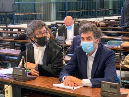 Sandro e Marco Sorbara durante un'udienza nell'aula bunker del carcere 'Le Vallette' di Torino