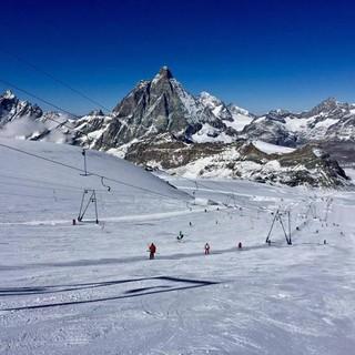 Da Cervinia la ripartenza della stagione invernale dello sci