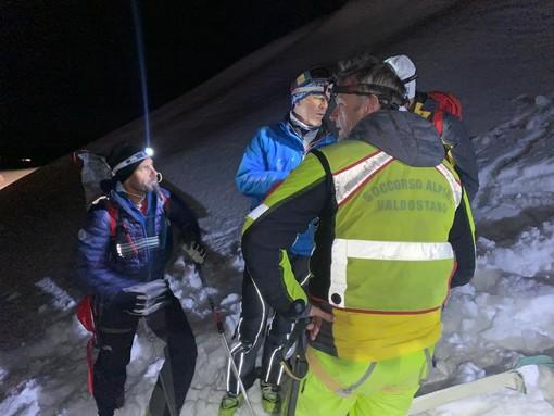 Un morto e un ferito grave nell'elicottero schiantatosi iera sera sui monti di Ayas -  AGGIORNAMENTI
