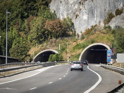 Les équipes d'ATMB réalisent la maintenance du tunnel du Vuache (A40)