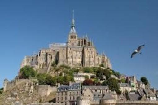 Vacances et pass sanitaire en France: ce que les touristes doivent savoir