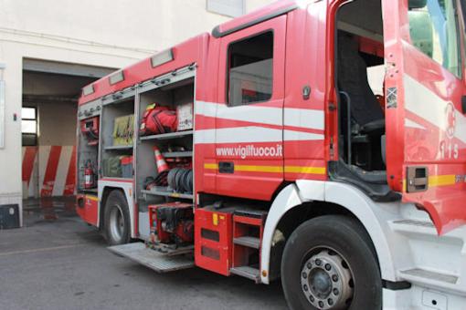 Fiamme nella falegnameria Duclos a Signayes, a fuoco canna fumaria falegnameria Bertoldo a Courmayeur